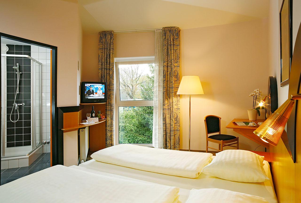 zimmer kunsthotel fuchspalast st veit an der glan. Black Bedroom Furniture Sets. Home Design Ideas